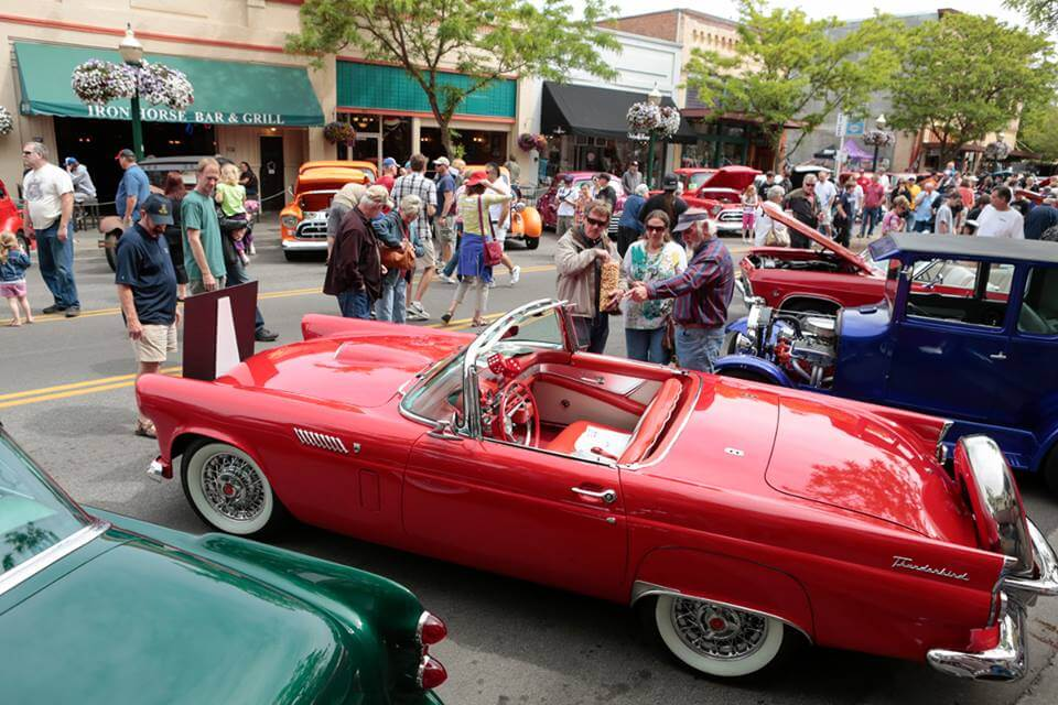 Car d'Lane Car Show